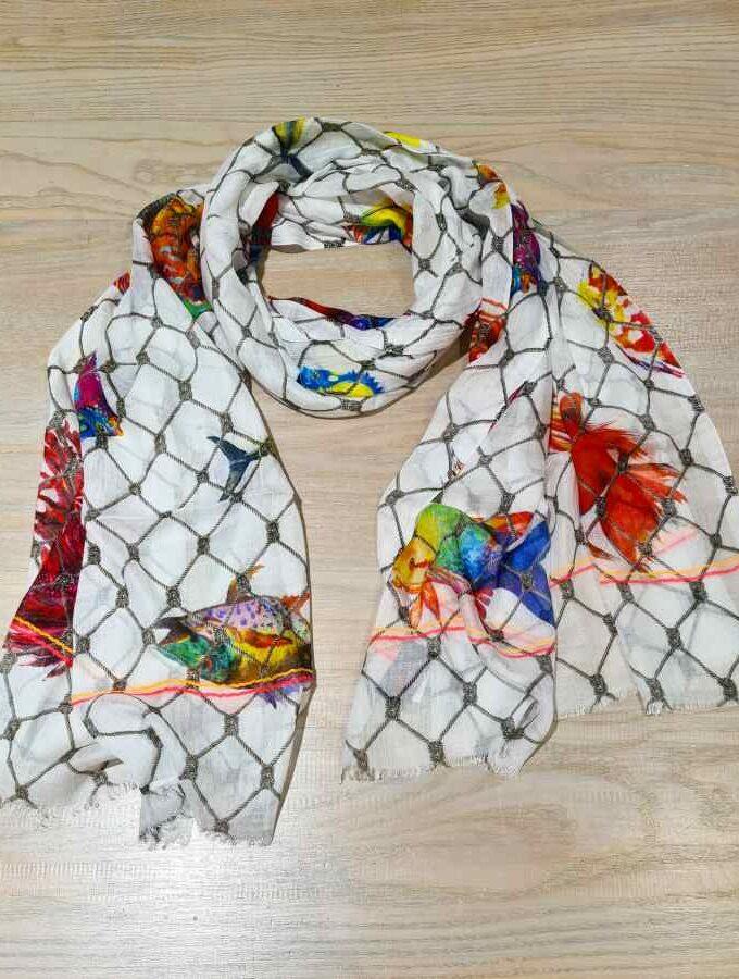 sjaal modal wit met vissen