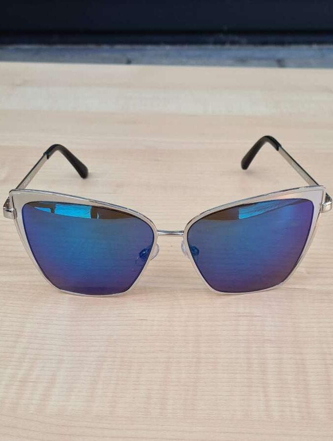 zonnebril blauwe glazen voorkant