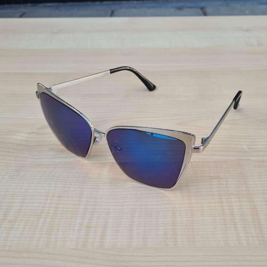zonnebril blauwe glazen zijkant