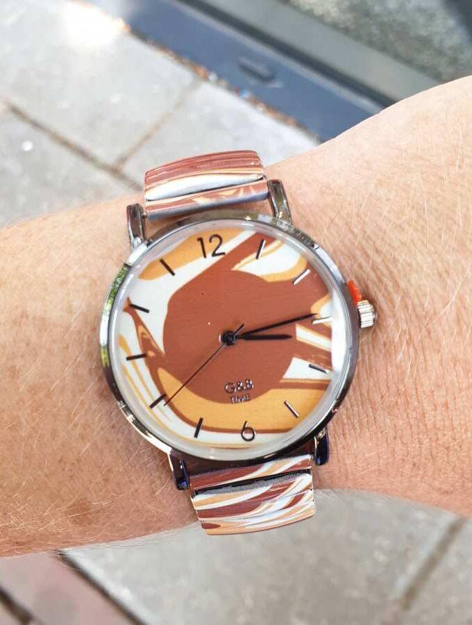 Horloge vlammen bruin