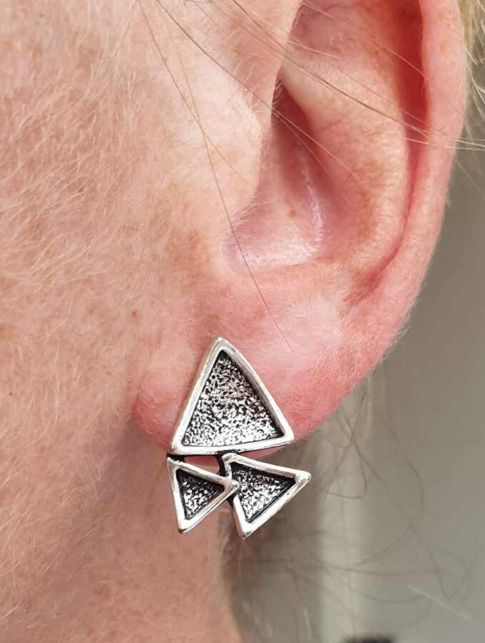 Oorbellen driehoeken zilverkleur