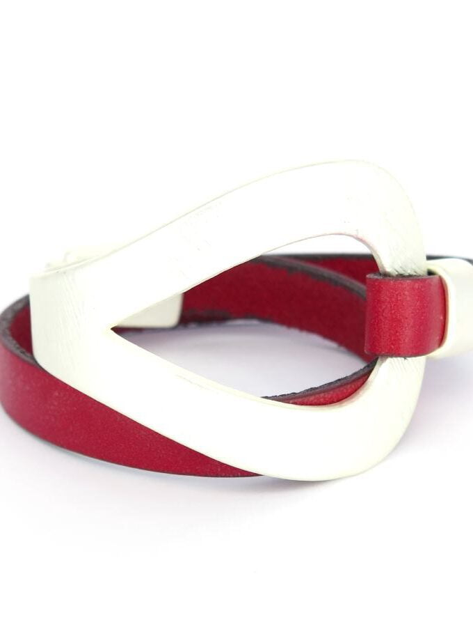 Leren armband rood en zilver