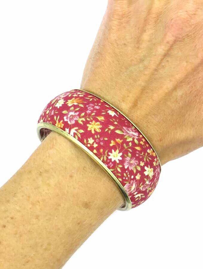 Armband stof rood bloemen