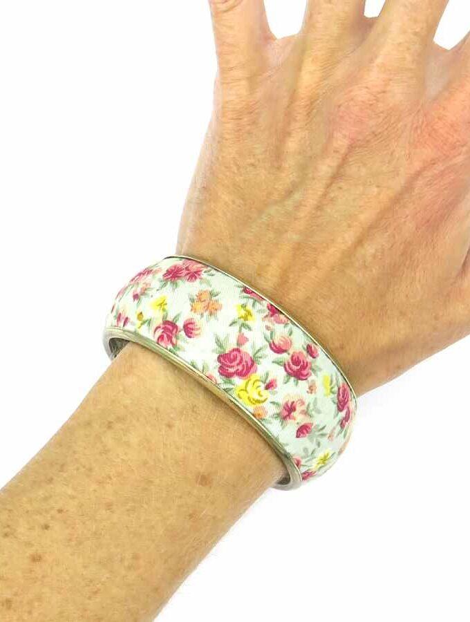 Stoffen blauwe armband met bloemenprint