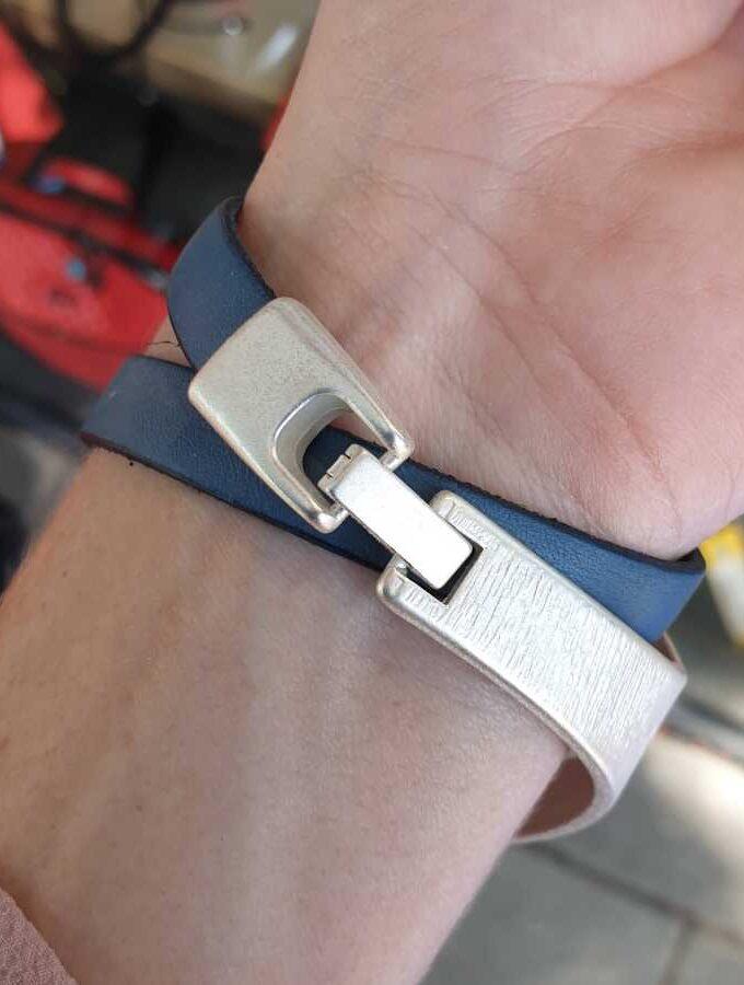 Leren armband blauw en zilver