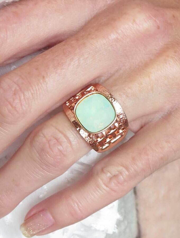 Ring rosé elastiek mintgroen steen