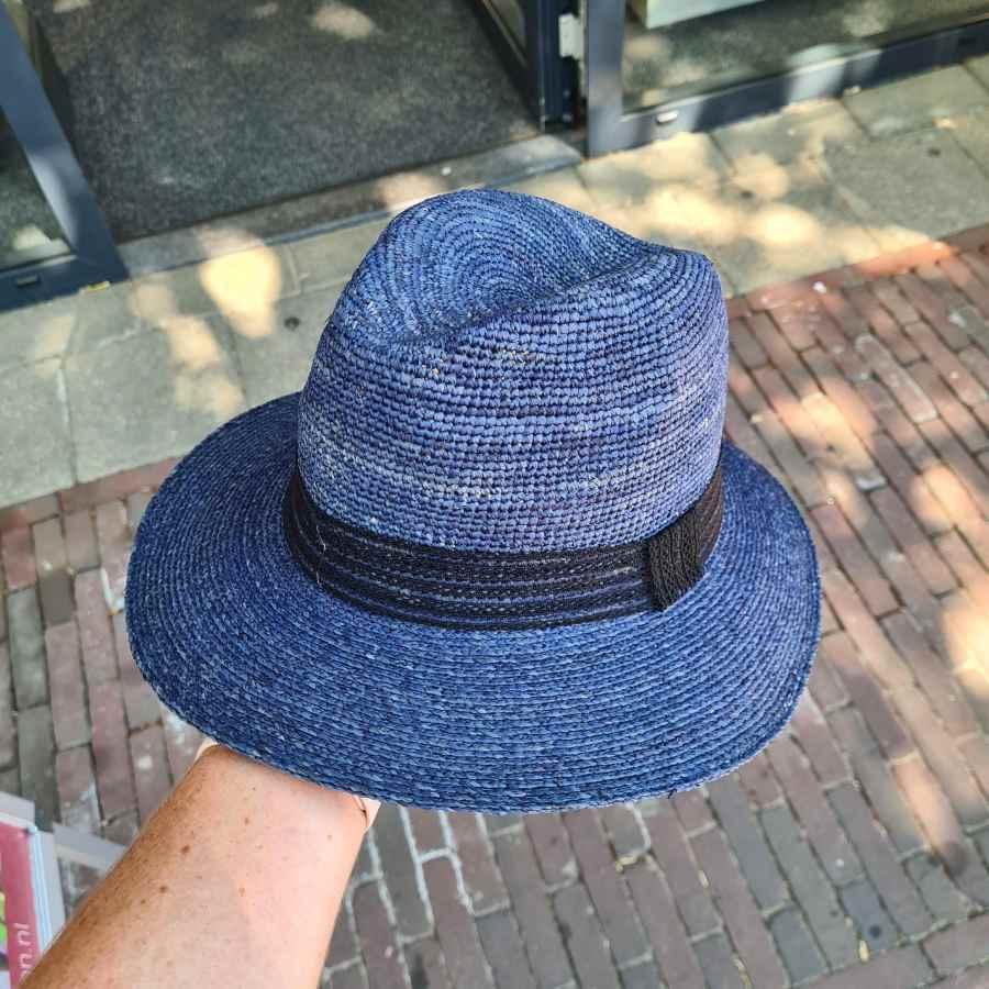 blauwe herenhoed stro gleufhoed cowboy