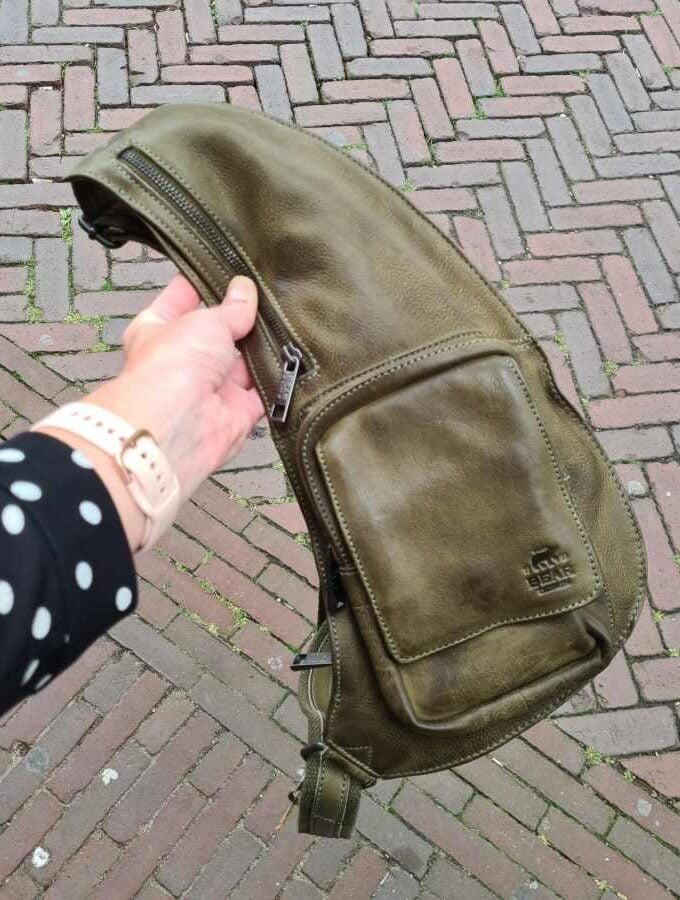 beardesign sling bag groen leer