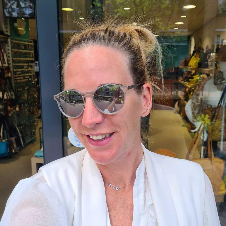 Grijze zonnebril spiegelende glazen rond