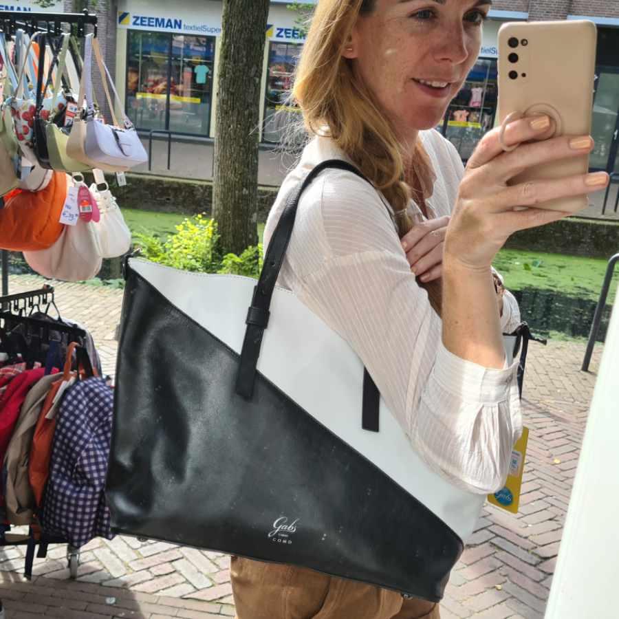 Leren shopper gabs zwart wit diagonal streep echt leer Frida Large Black Nero
