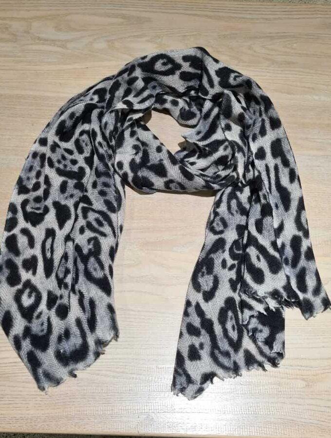 Cashmere sjaal leopard print grijs met zwart