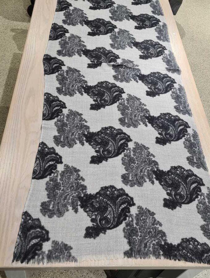 Cashmere sjaal paisley print grijs met zwart