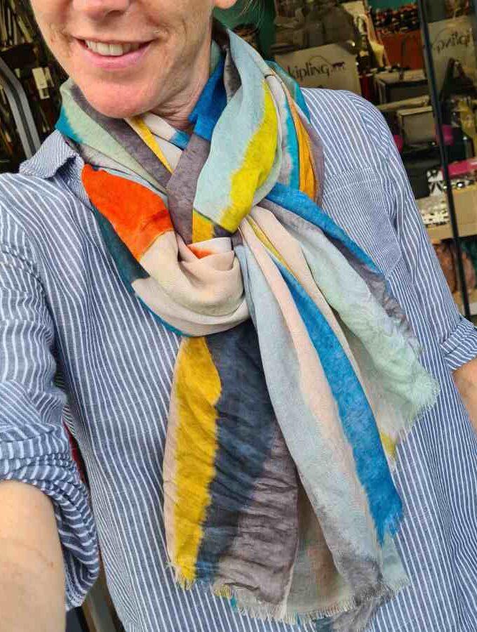 Sjaal blauwe driehoeken modal met katoen
