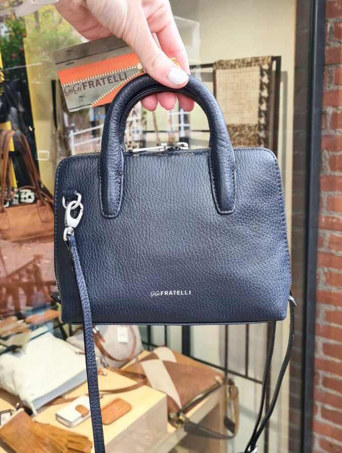 Donkerblauwe handtas leer met lange schouderband